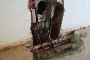 BUBA AG; Lochfrass bei Kupferleitung in Dachwohnung